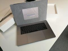 Apple Macbook Pro 2016 З Сенсорної Панелі І Дисплея Retina