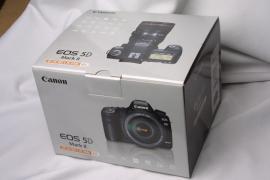 Canon ЕОС 5D Mark II 21.1 МП Цифрова дзеркальна камера - чорний (набір W/
