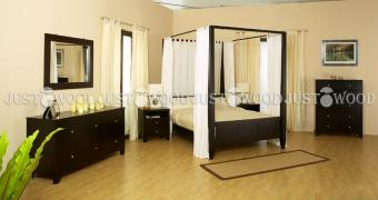 Двоспальне оригінальна ліжко Романтик з натурального дерева
