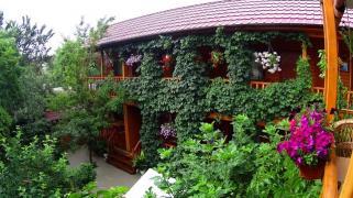 """Гостьовий будинок """"Іволга"""" (Крим, Коктебель) запрошує на відпочинок"""