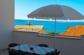 Хорватія. Апартаменти біля моря. Apartmani Dinko