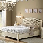 Купити красиву двоспальне ліжко з м'яким узголів'ям