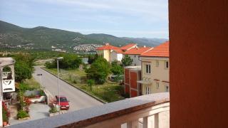 Літо в Хорватії. Апартаменти біля моря. Нові-Винодолски
