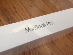 """Новий Apple MacBook Професійний MJLQ2D/с 15.4"""" Золл Процесор Core i7 з 16 ГБ оперативної пам'яті"""
