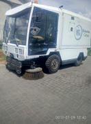 Послуги по механічній, вакуумної та вологого прибирання доріг