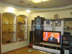 Продам 2х пов. будинок ЦЕНТР р-н парку Калініна (на дві сім'ї)