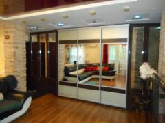 Продам 4-х кімнатну квартиру з ремонтом та меблями