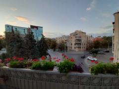 Продам 4-х кв. в центре города, 3 мин от м. Бекетова