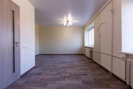 Продам квартиру з ремонтом (в блоці). Шекспіра, 15