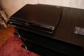 Продам мультиформатний програвач Panasonic DMR-EH67