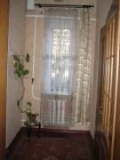 Продам півбудинку (добротний) вул. Володарського