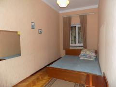 Продається 2-х кімнатна квартира. Ялта, вул. Ігнатенко (центр) 75