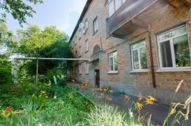 Selling 1-room apartment in Shevchenko district, metro Nyvky, Kiev