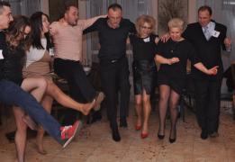Ведучий-тамада на корпоратив+музика+фотовідео зйомка