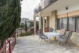 Відпочинок в Хорватії. Рогозница. Apartments Villa Zrinka